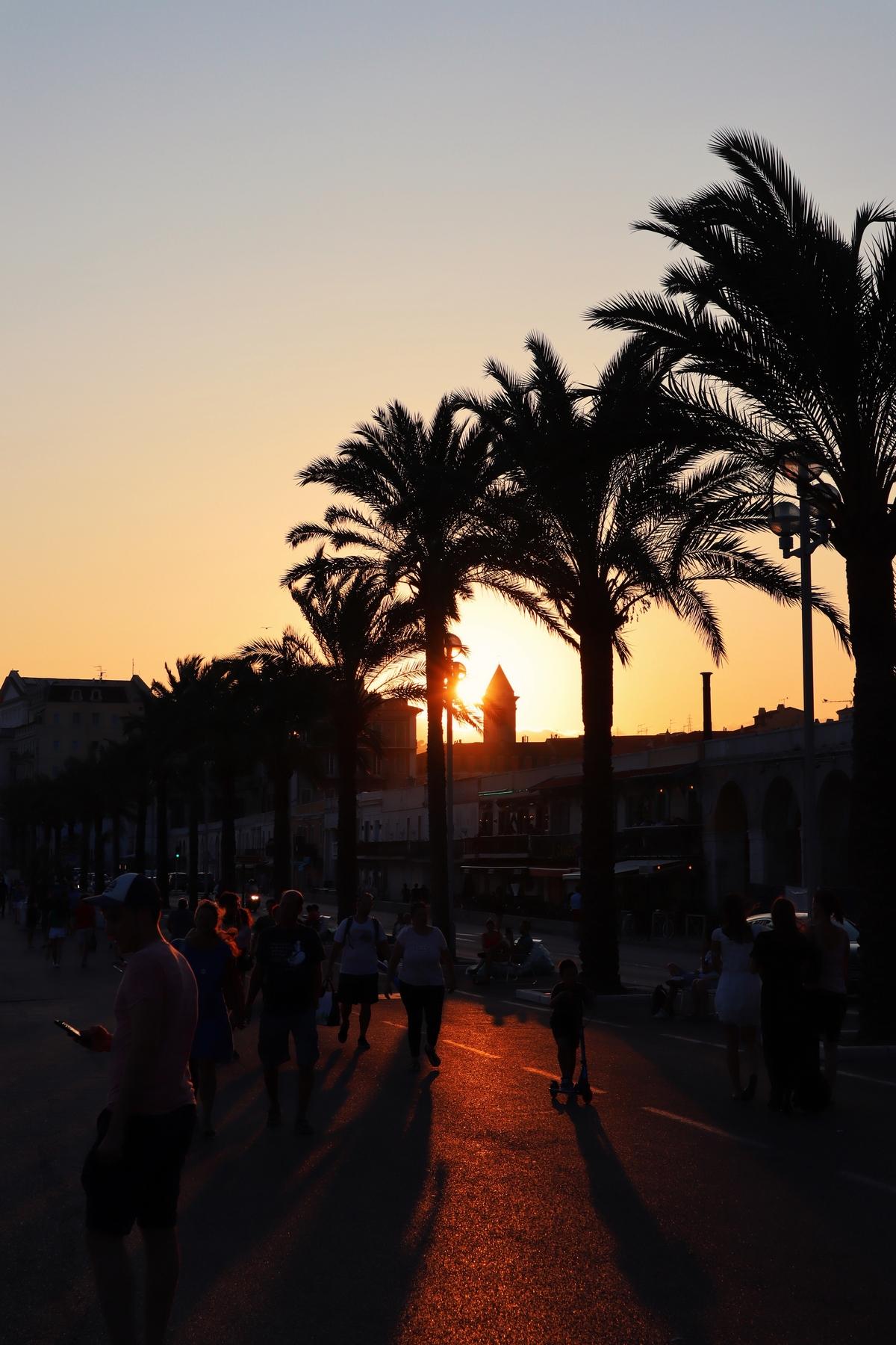 coucher soleil promenade des anglais nice
