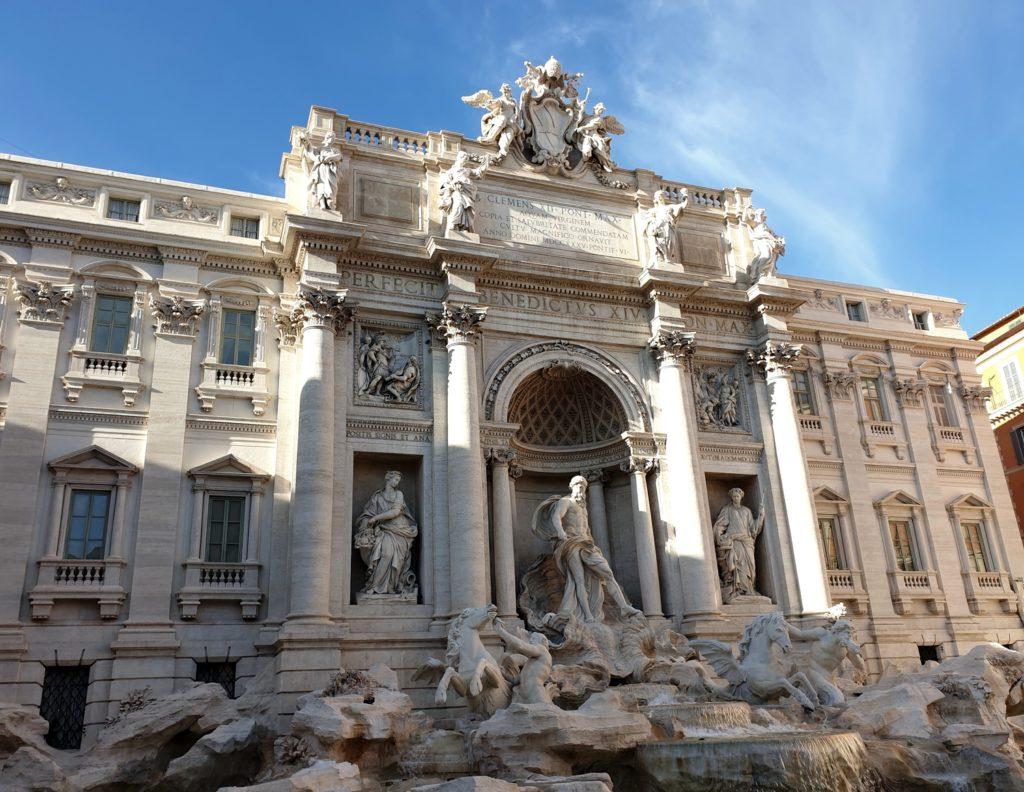 fontaine trevi rome italie