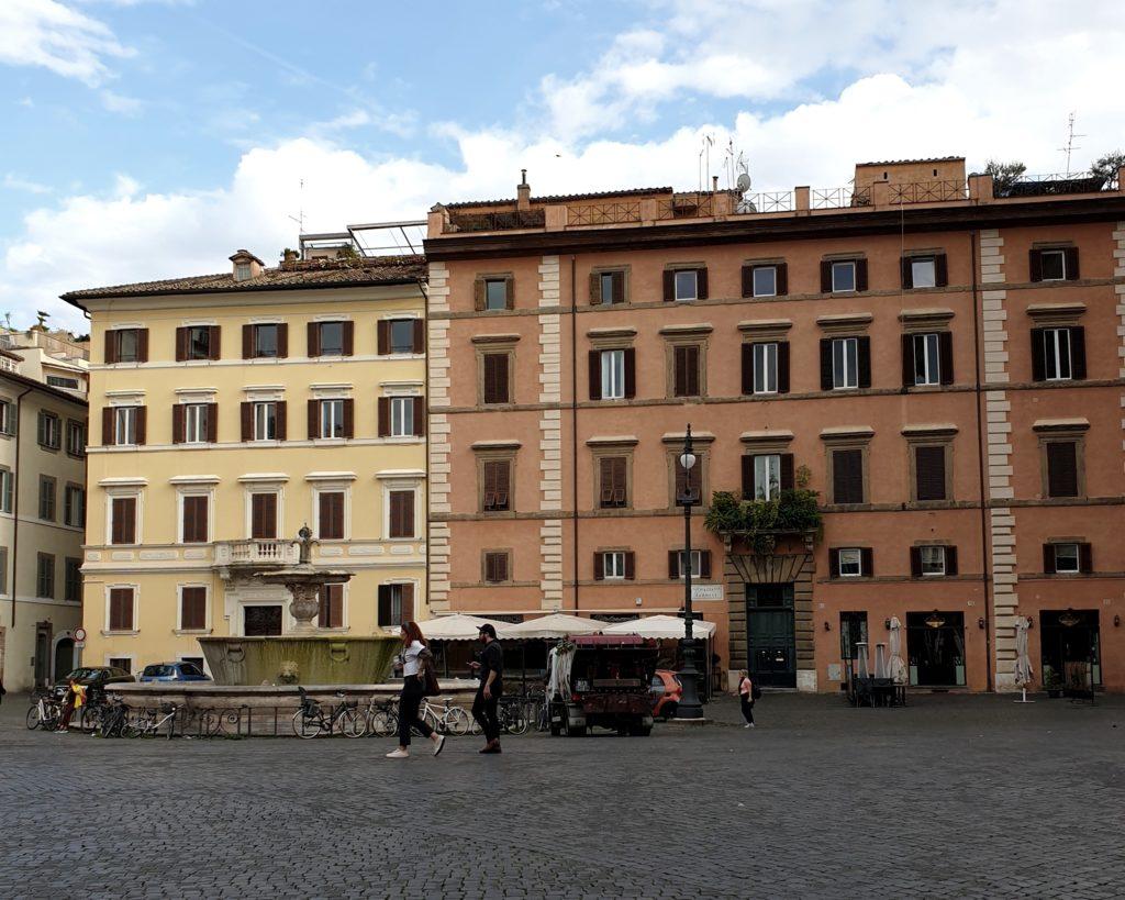 piazza farnese rome italie