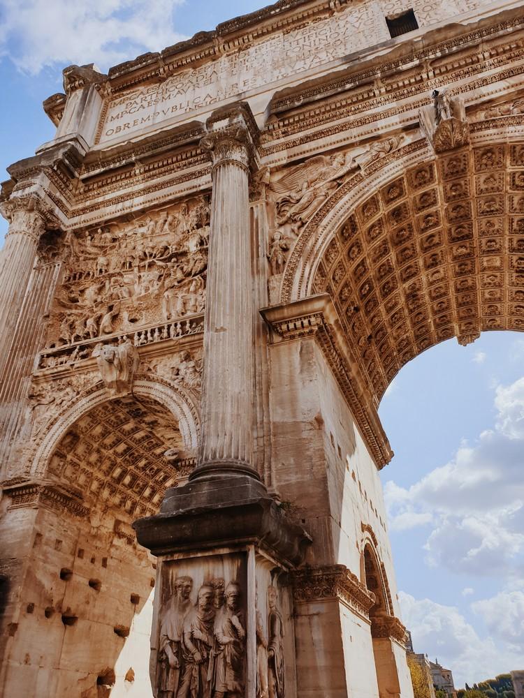 arc monument historique forum romain rome italie