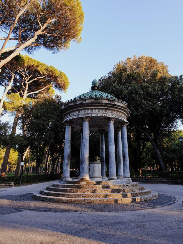 balade jardin villa borghese rome italie
