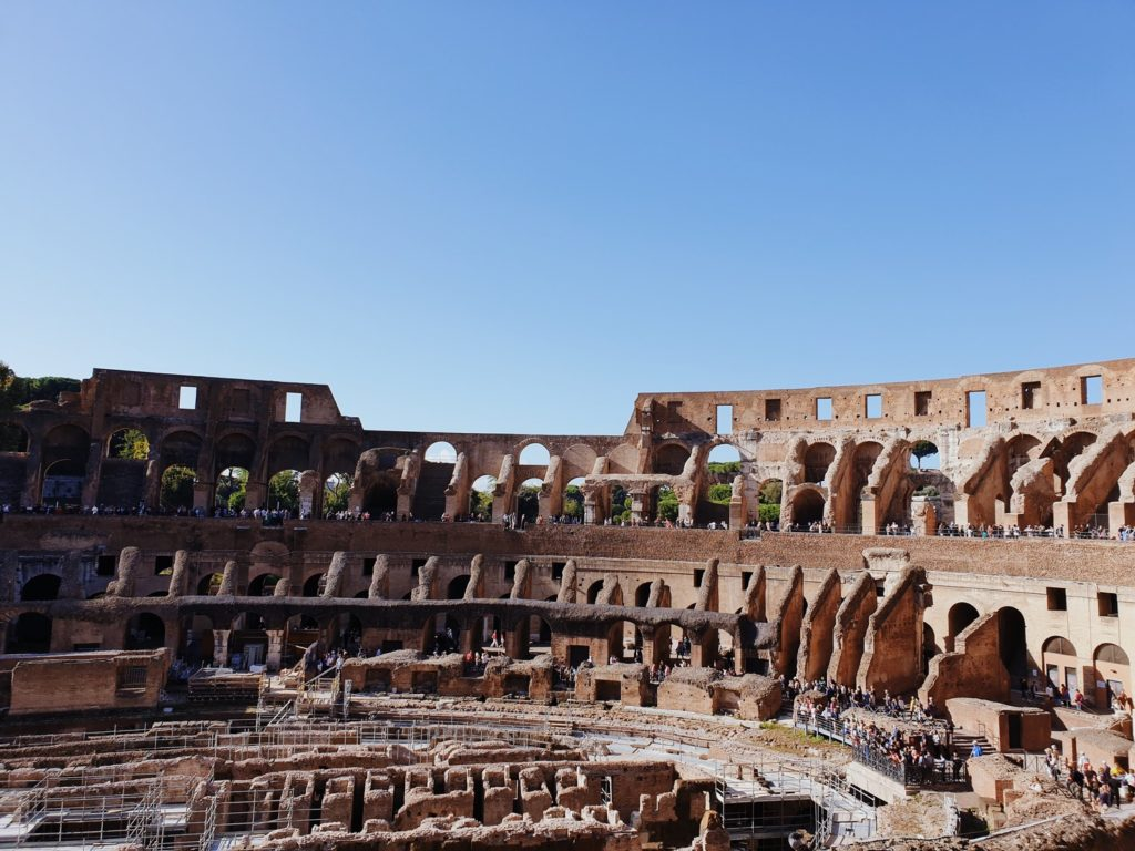 decouvrir colisee rome italie monument historique