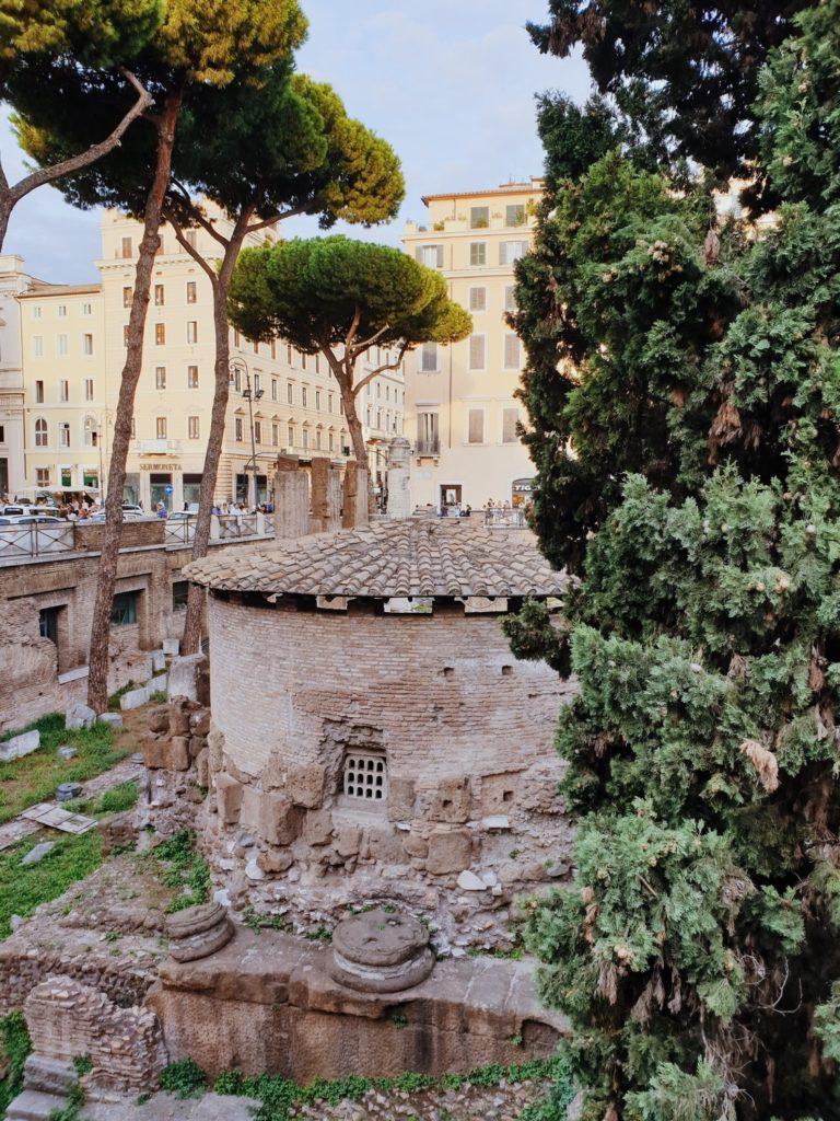 place largo argentina rome italie