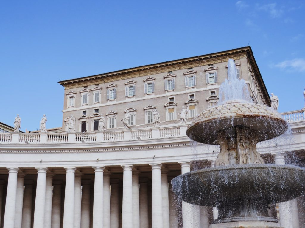 place saint pierre vatican rome italie