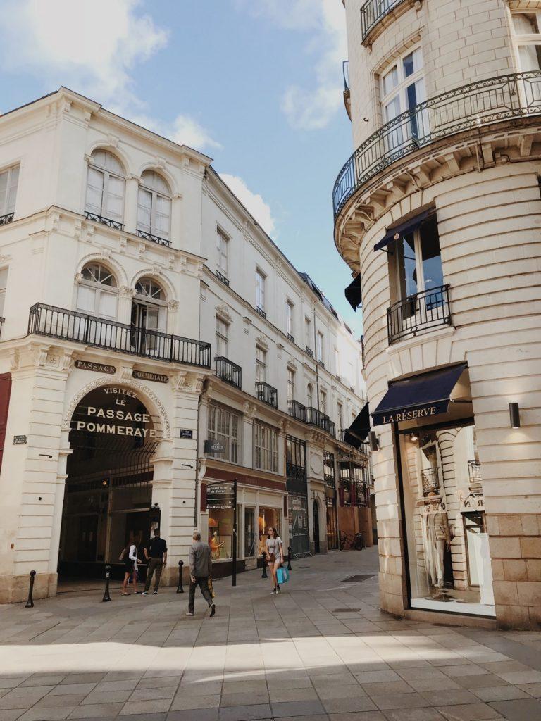 rue crebillon magasins luxe nantes
