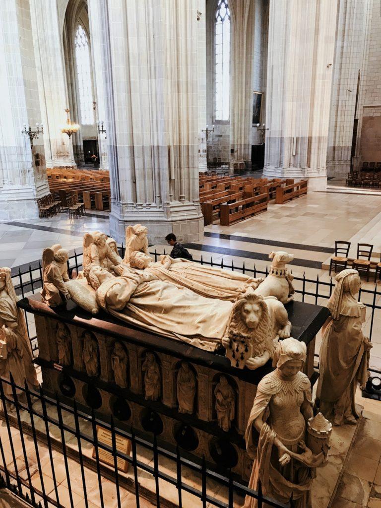 tombeau marbre cathedrale de nantes