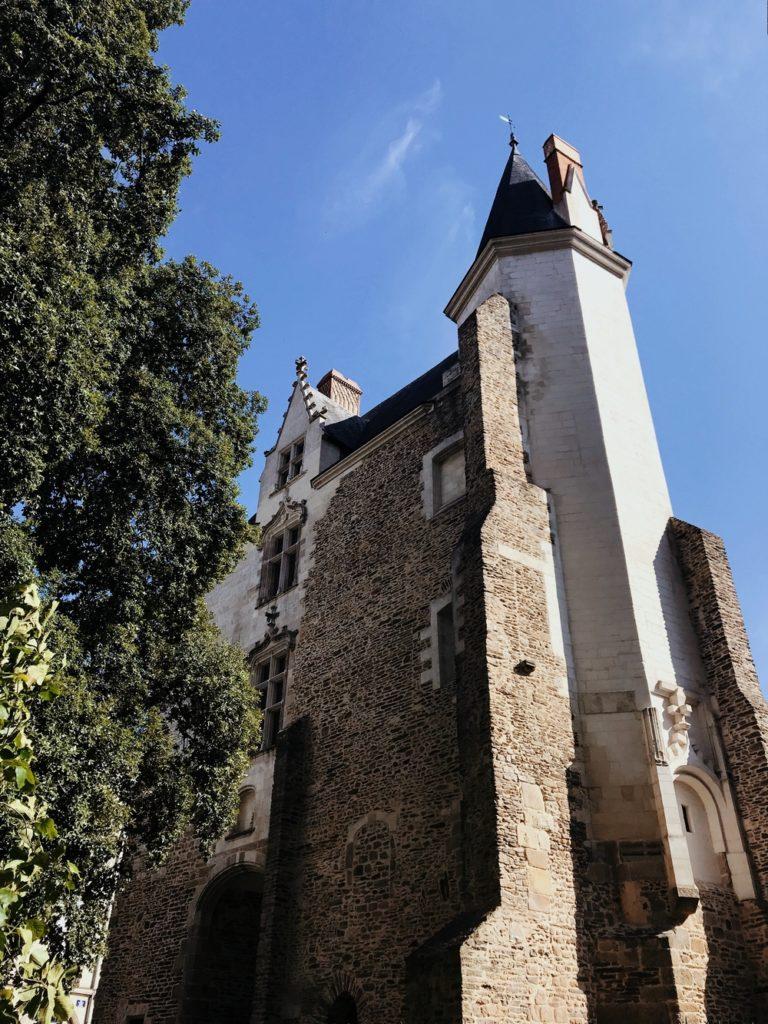 tour chateau ducs de bretagne nantes