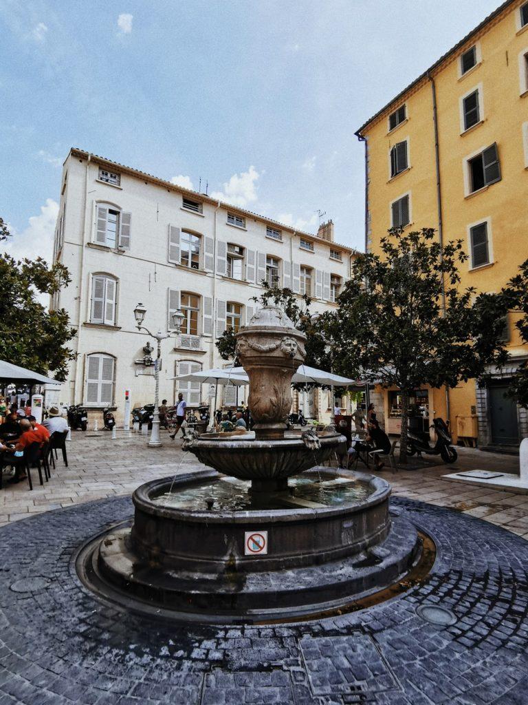 place fontaine toulon