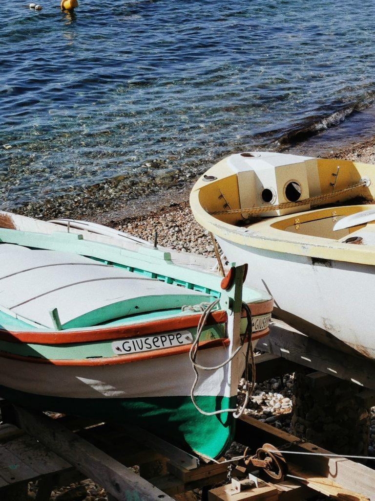 bateaux pointus typiques sud de la france