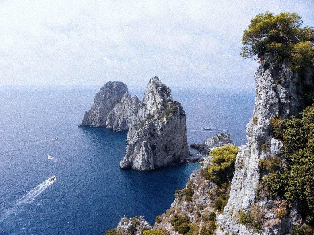 rochers faraglioni capri incontournable italie