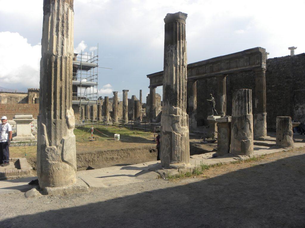 visite pompei temple apollon